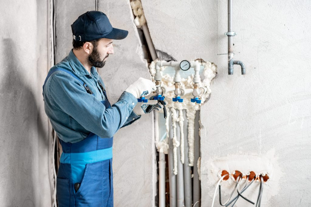 Should I Insulate My Water Pipes for the Winter