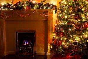 Winter-Fireplace-Decoration